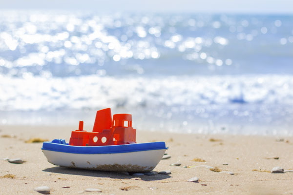 Toy tug boat
