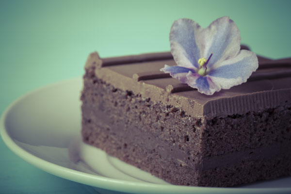 piece of cake with flower