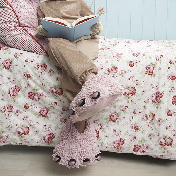 Monster reading bedtime story